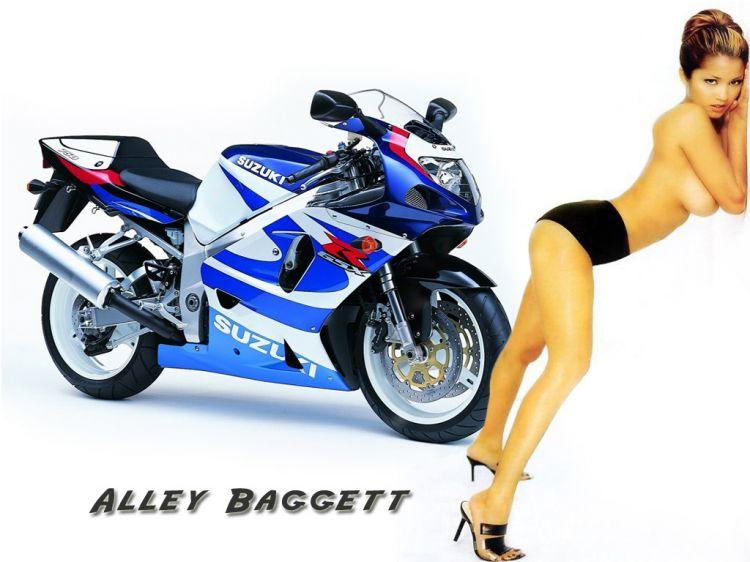 Fonds d'écran Motos Filles et motos Suzuki 750