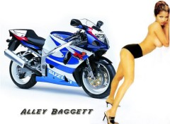 Fonds d'�cran Motos Suzuki 750
