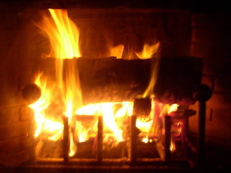 fonds d 39 cran nature fonds d 39 cran feux feu de chemin e par maison62. Black Bedroom Furniture Sets. Home Design Ideas