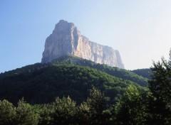 Fonds d'écran Nature Le Mont Aiguille ds le Vercors