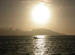 Fonds d'écran Nature Coucher de soleil à Tahiti