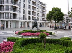 Wallpapers Constructions and architecture statue féminine