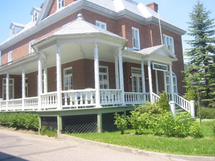 fonds d 39 cran voyages am rique du nord fonds d 39 cran canada qu bec maison typique 2. Black Bedroom Furniture Sets. Home Design Ideas