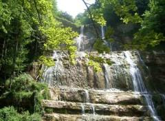 Fonds d'écran Nature cascade du herisson - jura