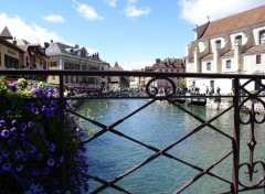 Fonds d'écran Voyages : Europe Annecy et ces cannaux en fleurs