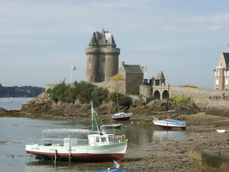 saint malo jewish dating site The exact site of the town has been discovered one of the few christian symbols dating from the first century is that of born at saint-malo, 29 june.