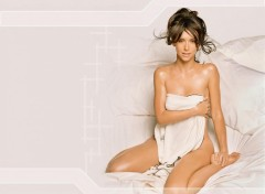 Fonds d'écran Célébrités Femme Jennifer Love Hewitt in bed