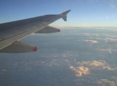 Fonds d'écran Avions Avion dans les nuages