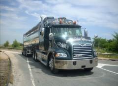 Fonds d'écran Transports divers Mack Vision