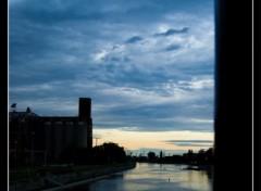 Fonds d'écran Nature la nuit tombe sur le canal