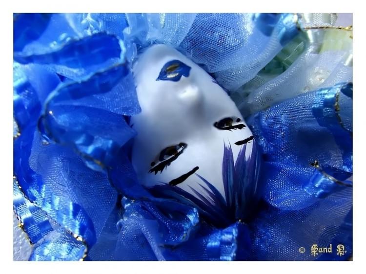 Fonds d'écran Objets Masques True Blue