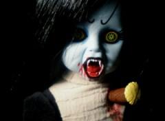 Fonds d'écran Objets Living Dead Dolls-Lilith