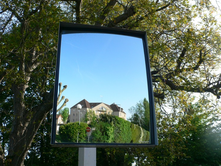 Wallpapers objects wallpapers miscellaneous un miroir for Miroir wallpaper