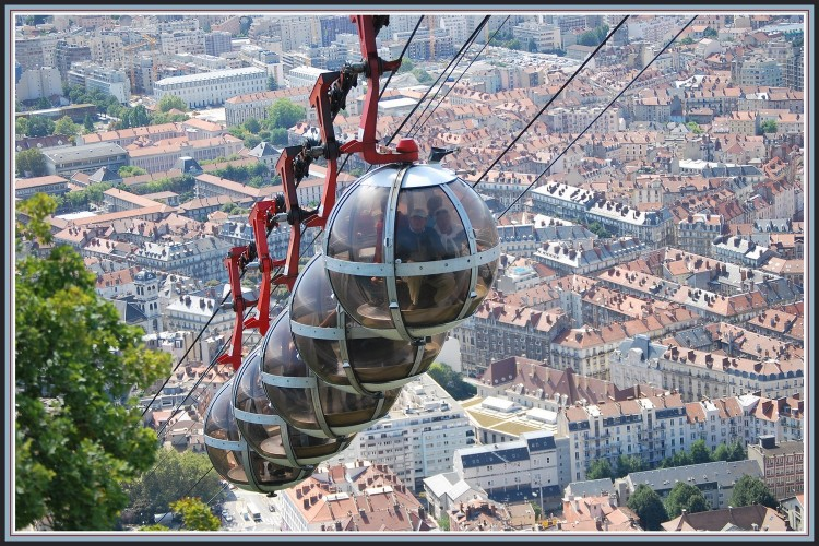 Wallpapers Various transports Miscellaneous Les Bulles sur Grenoble
