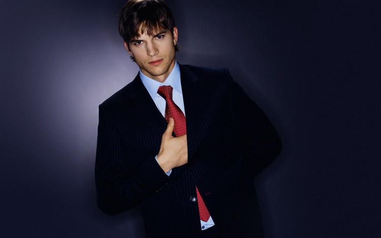 Fonds d'écran Célébrités Homme Ashton Kutcher Wallpaper N°216358