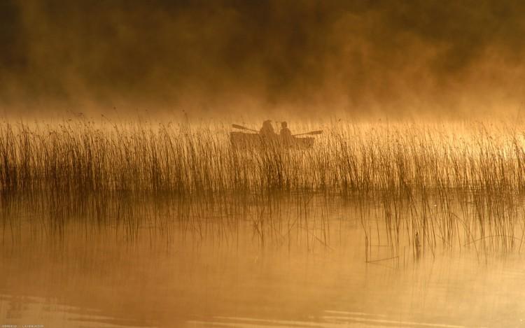 Wallpapers Boats Small Boats - Canoes Pêcheur dans la brume