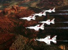 Fonds d'écran Avions Thunderbirds over Sedona, California