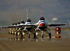 Fonds d'�cran Avions Thunderbirds Ready To Go