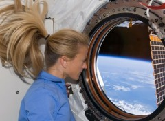 Wallpapers Space STS-124: Lost in thought
