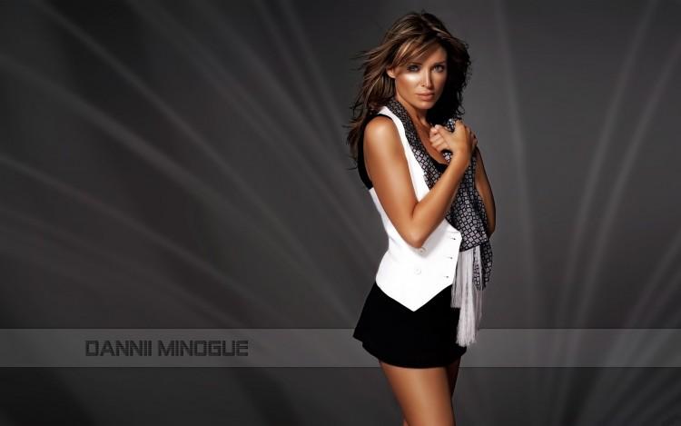 Fonds d'écran Célébrités Femme Dannii Minogue Dannii Minogue