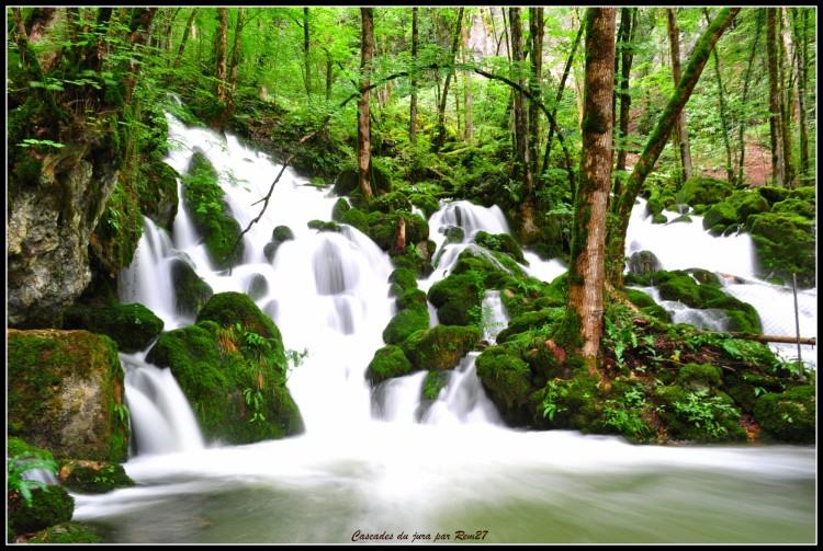 Fonds d'écran Nature Cascades - Chutes cascades du jura
