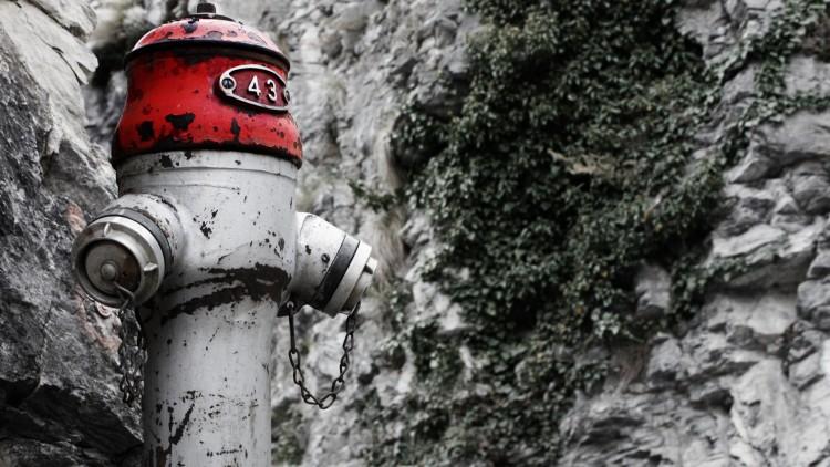 Fonds d'écran Constructions et architecture Fontaines - Jets d'eau Bouche d'incendie