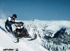 Fonds d'écran Motos Ski-Doo Summit 2011