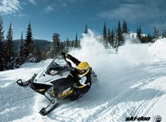 Wallpapers Motorbikes Ski-Doo MXZ 2011