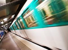 Fonds d'écran Transports divers metro Paris