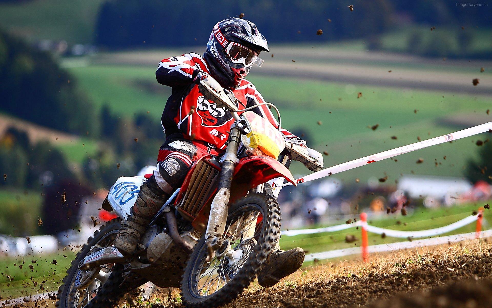 Fonds d'écran Motos Motocross The Red Driver