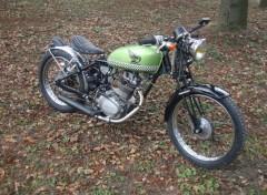 Fonds d'écran Motos Bobber Honda 125 cbs 1976