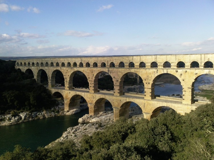 Fonds d 39 cran constructions et architecture fonds d for Pont du gard architecte