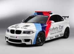 Fonds d'écran Voitures BMW Series-1 M Coupe MotoGP Safety Car