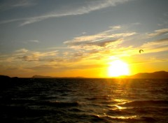 Nature Kitesurf au coucher du soleil