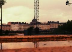 Constructions and architecture Du dessous de la Titan Jaune