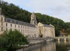 Constructions and architecture Abbaye de Brantôme (24)
