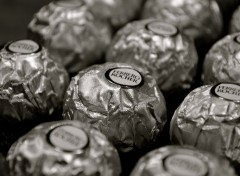 Brands - Advertising Ferrero Rocher