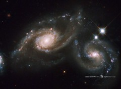 Space Les galaxies triplette Arp 274