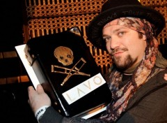 Celebrities Men Bam Margera