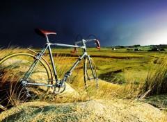 Various transports bicyclette dans la tempête