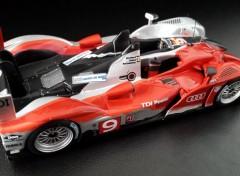 Voitures Audi R15 plus TDI victorieuse 24 Heures du Mans 2010