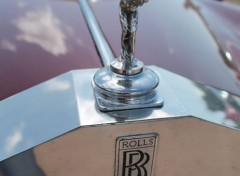 Cars Calandre Rolls Royce statuette Spirit of Ecstasy