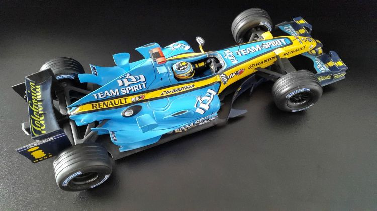 Wallpapers Cars Cars - Toys RENAULT R26 Fernando Alonso champion du Monde F1 2006
