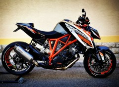 Motorbikes KTM 1290 SUPERDUKE R