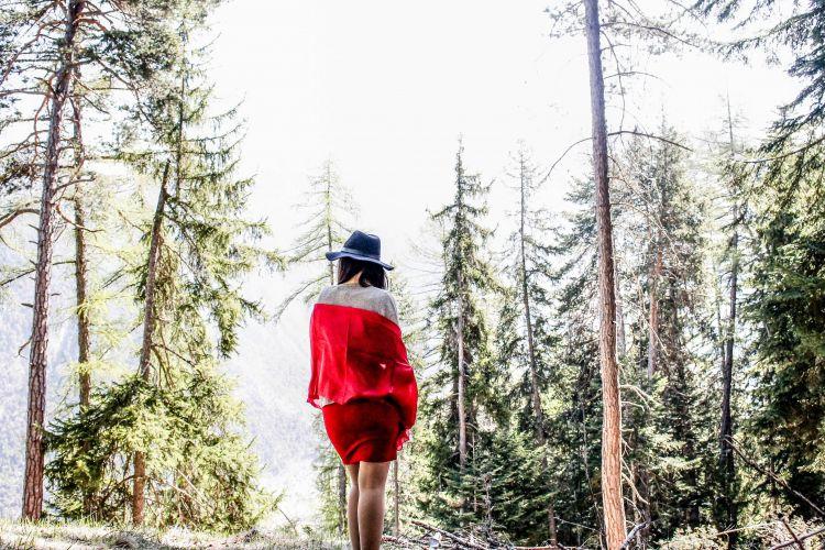 Fonds d'écran Hommes - Evênements Femmes - Féminité Chaperon Rouge