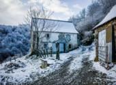 Nature Paysage de neige dans les Pyrénées, Larrau - passerelle d'Holzarté par le pont de Namubie