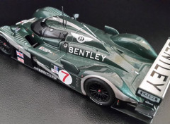 Cars BENTLEY Speed 8 gagnante LE MANS 2003