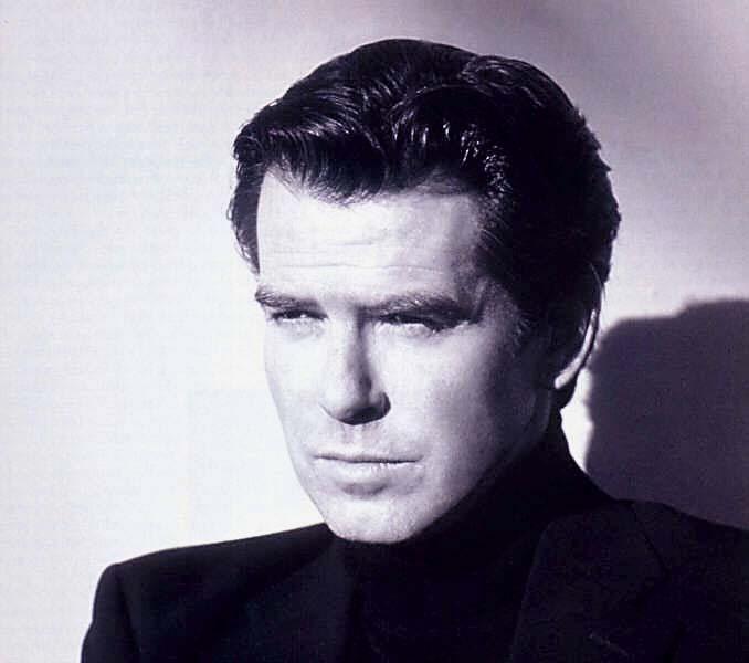 Fonds d'écran Célébrités Homme Pierce Brosnan Wallpaper N°54559