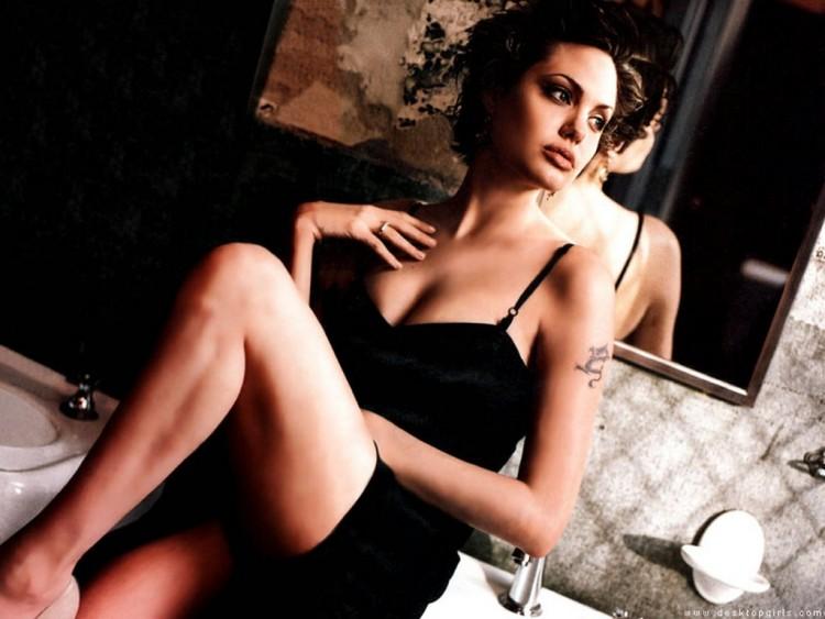 Fonds d'écran Célébrités Femme Angelina Jolie Wallpaper N°54839