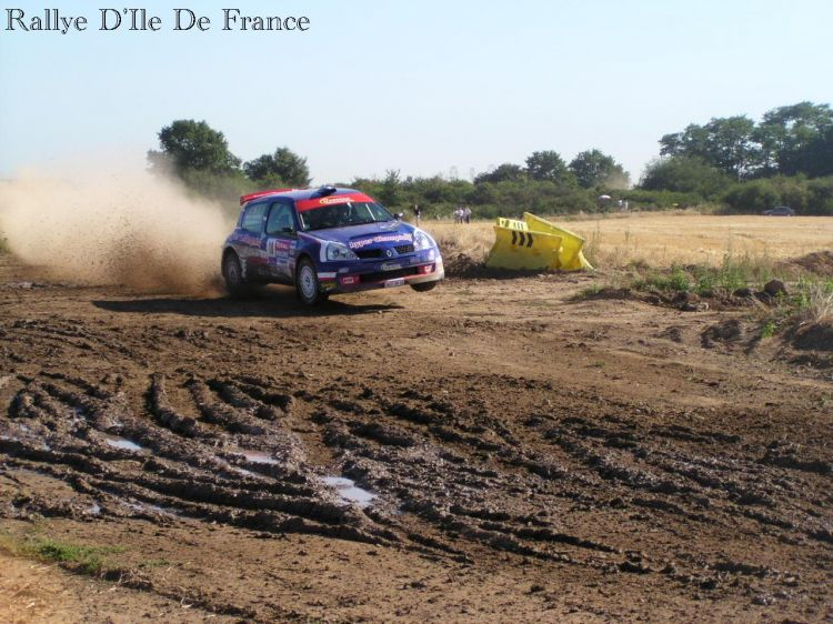 Fonds d'écran Sports - Loisirs Rallye Clio Super 1600